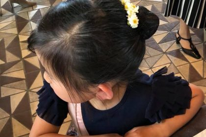 上野の森バレエホリディ 髪飾 カモミール