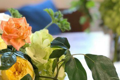 生花 花の不定期便 新鮮 花のある暮らし ナチュラル シック グリーン 簡易包装