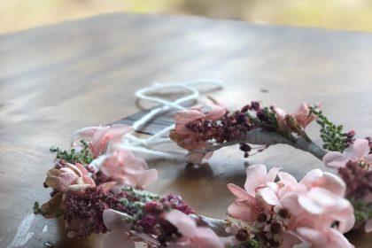 ニューボンフォト プリザーブドフラワー 赤ちゃん 花かんむり 撮影