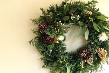 カフェ クリスマス リース 自家焙煎珈琲豆 アレンジ 針葉樹 杉 モミの木 グリーン